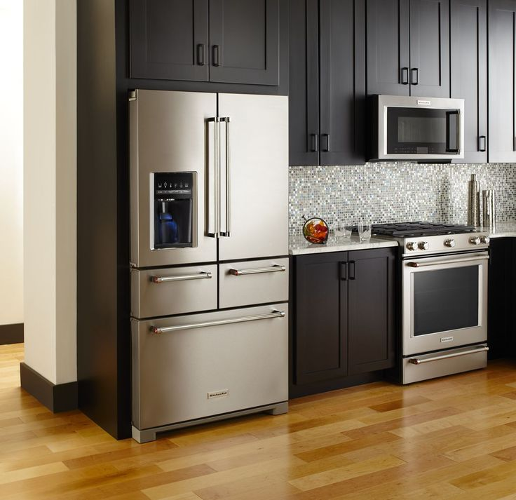 The new KitchenAid® Multi-Door Freestanding Refrigerator with Platinum Interior Design features a revolutionary 5-door configuration that puts all your food in ready sight and easy reach.