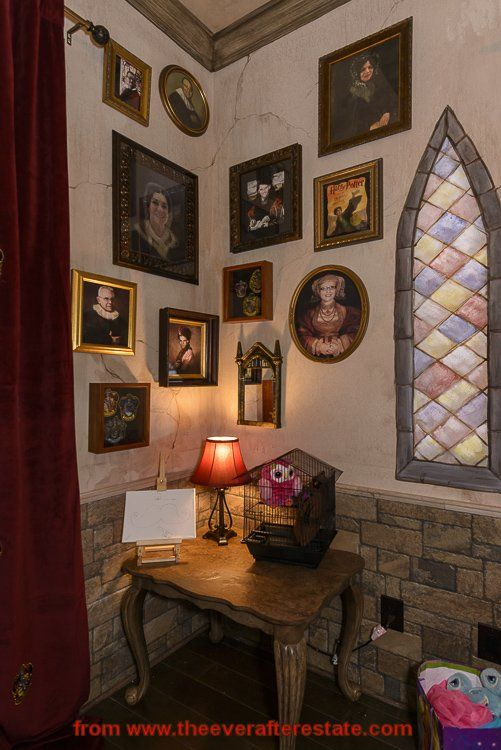 """Photos of the """"ancestors"""" in Harry Potter bedroom  #HarryPotterBedroom #HarryPotter"""