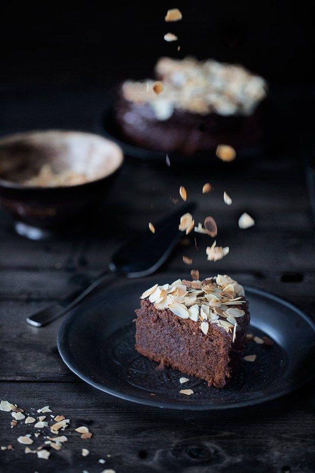 Amaretto chocolate cake Amaretto-Schokoladenkuchen