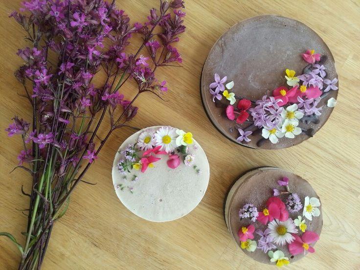 Sacaramb flower cakes