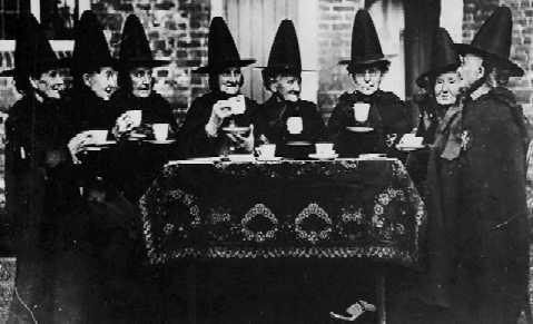 such a cool old picture... wonder what the story is: Witch Brewing, Witch Teas Parties, Teas Time, Vintage Photos, Witchi, Teaparti, Hallows Eve, Black Hats, Halloween