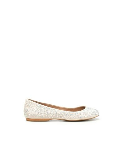 BASIC BALLERINA WITH DIAMANTE    Height of heel: 1 cms./ 0,39 inches.    69.90
