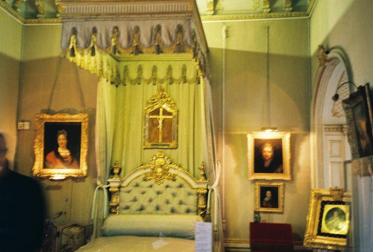 Chateau de Maintenon, chambre de Mme de Maintenon. -
