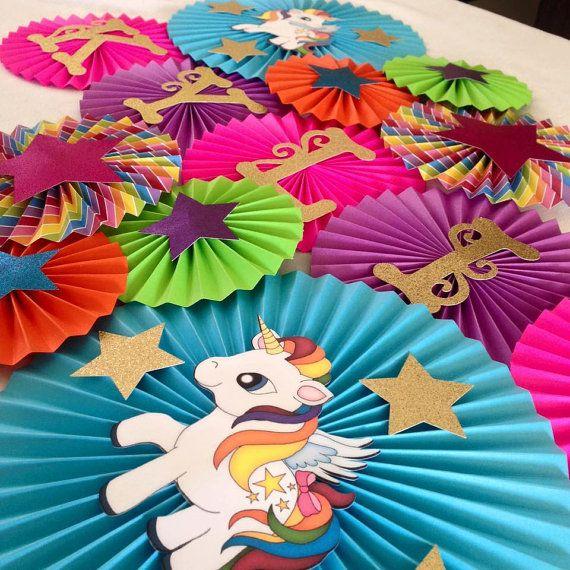 Unicorn Themed Paper Fan Backdrop Set of 13 Unicorn por LanvisB