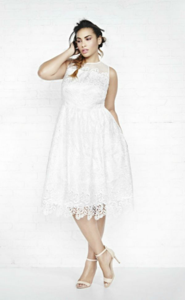 Are you looking for a plus size bridal gown? Did you hear ADDITION ELLE now has plus size bridal wear? Yes! Plus size wedding dresses under $500!   This plus size white bridal dress from AdditionElle.com is perfect for a simple wedding or all white party.  Here Comes The Bride: Addition Elle Introduces Violets & Roses Bridal Collection http://thecurvyfashionista.com/2017/03/addition-elle-plus-size-bridal/