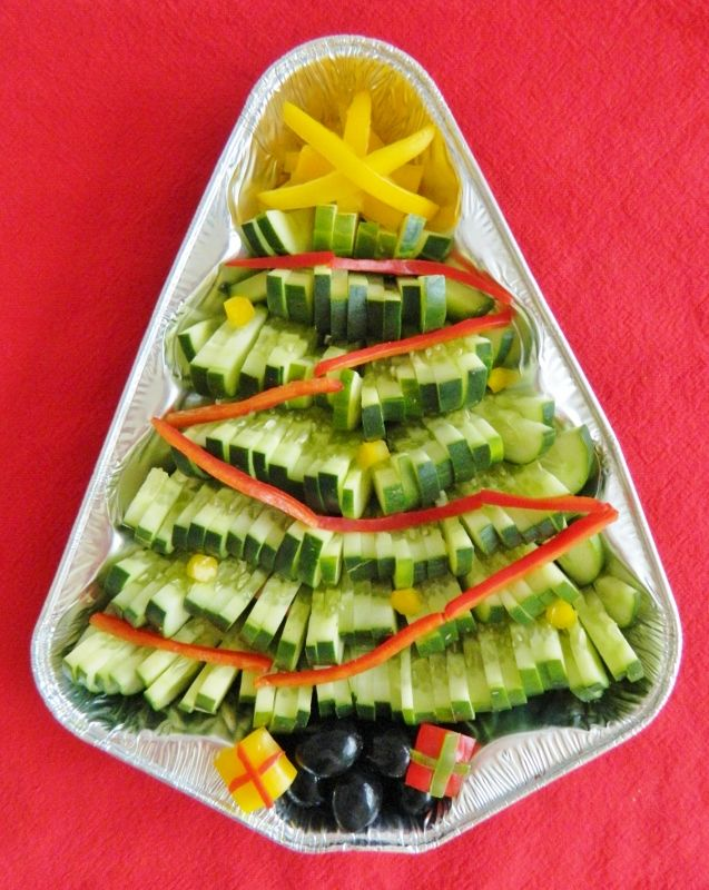 Kitchen Fun With My 3 Sons: Veggie Christmas Tree made with cucumbers!