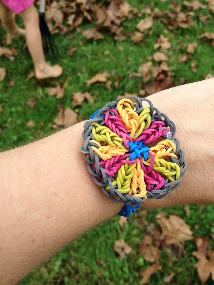 Oh My Gosh! This Is A Really Cool Rainbow Loom Bracelet