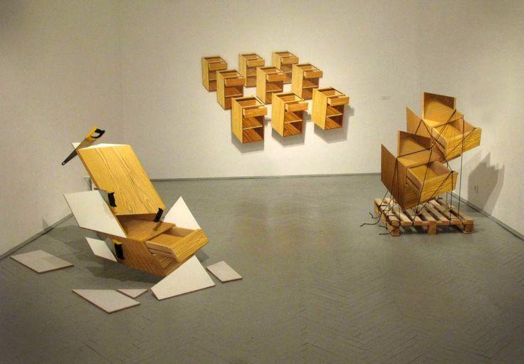 """Jan Mioduszewski, """"Firma"""", widok wystawy, galeria Biała, Lublin, 2009., fot. ze zbiorów artysty"""