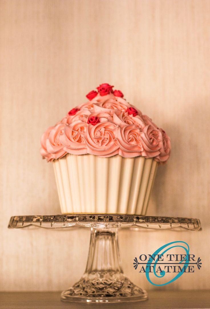 pink swirl giant cupcake white chocolate cupcake case