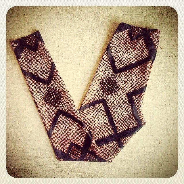 Copper Chainmail (print) Leggings now available. Developed via artisanal chainmail made with @tessa_blazey #madeinmelbourne #digitalprintedtextiles #textiledesign #melbournefashion #australianfashion