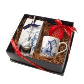 The Mad Hatter's Tea Party Hamper | Whittard of Chelsea