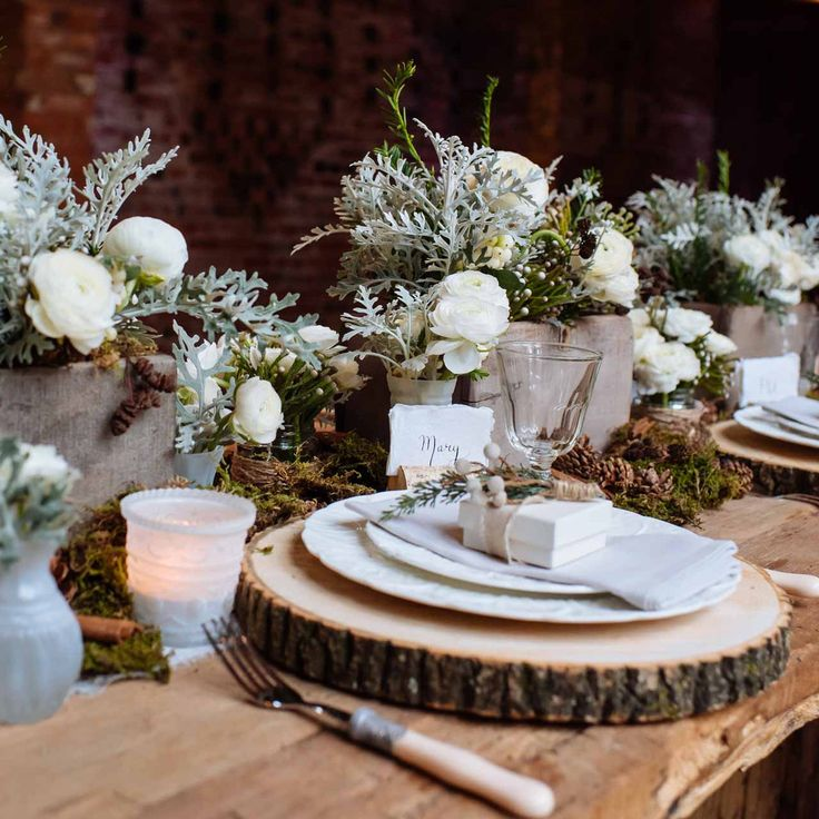 rustic wooden tree slice wedding