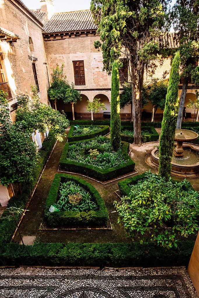 Les 178 meilleures images du tableau alhambra granada sur pinterest villes architecture et for Jardin hispano mauresque