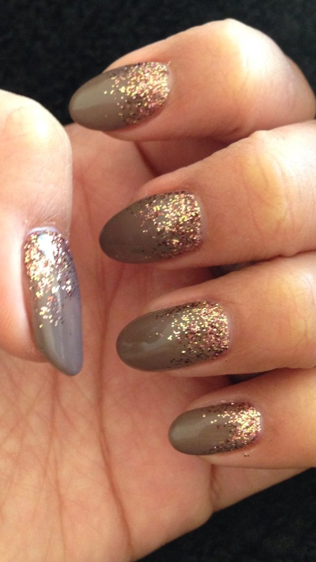 best 25 gel nail art ideas on pinterest glitter gel nails sparkle nail designs and silver. Black Bedroom Furniture Sets. Home Design Ideas