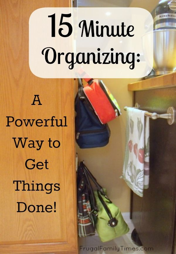 The power of 15 minute organizing.  A simple way to stop being overwhelmed by clutter and getting it done - not at once - who has time for that? But in one of those tiny 15 minute blocks of time we all have.  Simple, quick, organising tip!  Also using Com