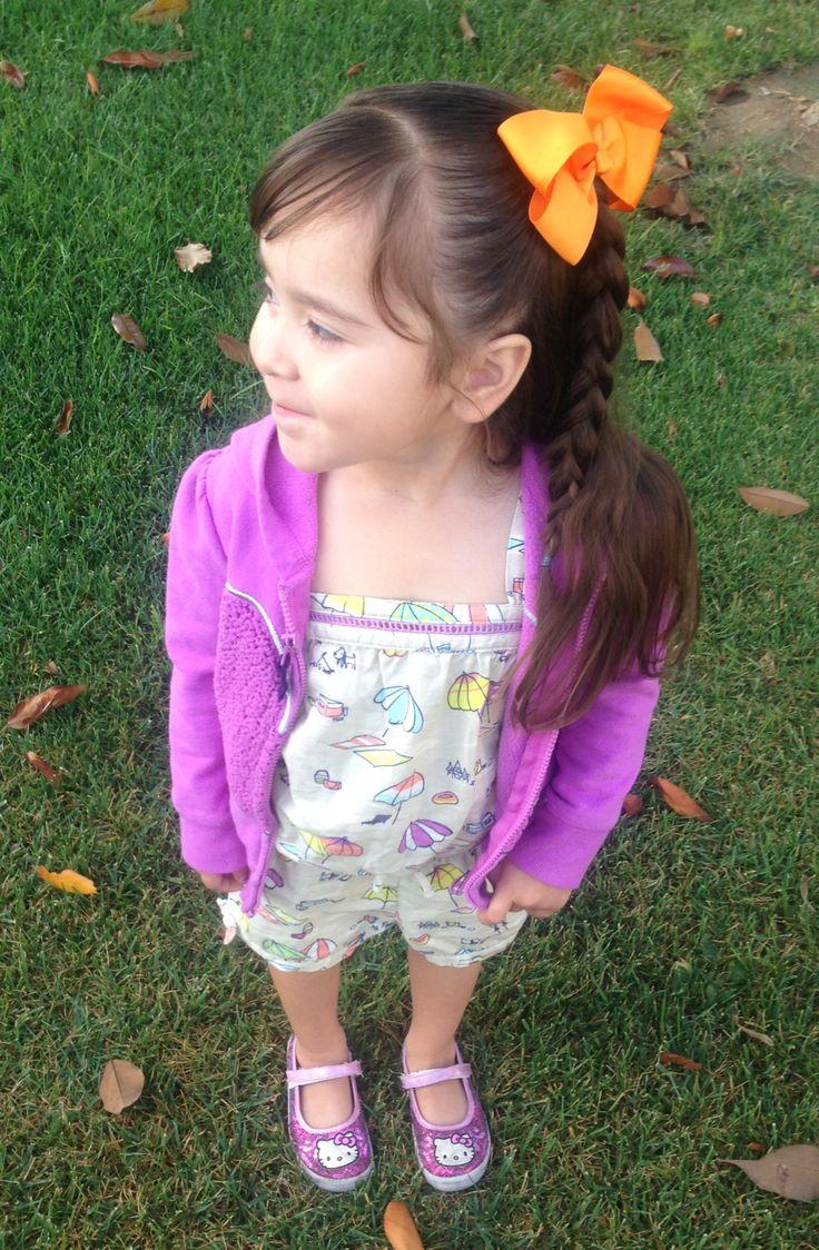 kindergarten girl side Preschool / kindergarten hairstyles! I love bows