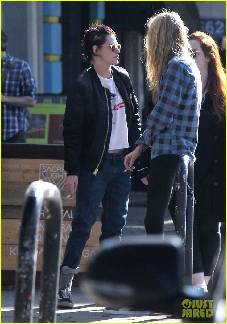 New Couple Kristen Stewart & Stella Maxwell Enjoy a Casual Day in Los Feliz