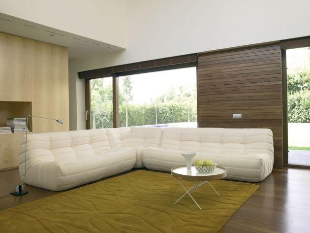 Moderne Polstermöbel Wohnzimmer Weiß Ecksofa Modular Grüner Teppich