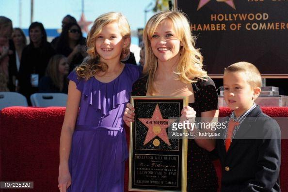 News Photo : Actress Reese Witherspoon daughter Ava Phillipe & son Deakon
