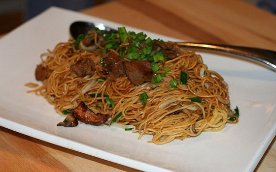Hong Kong Pan-Fried Noodles with Mock Duck