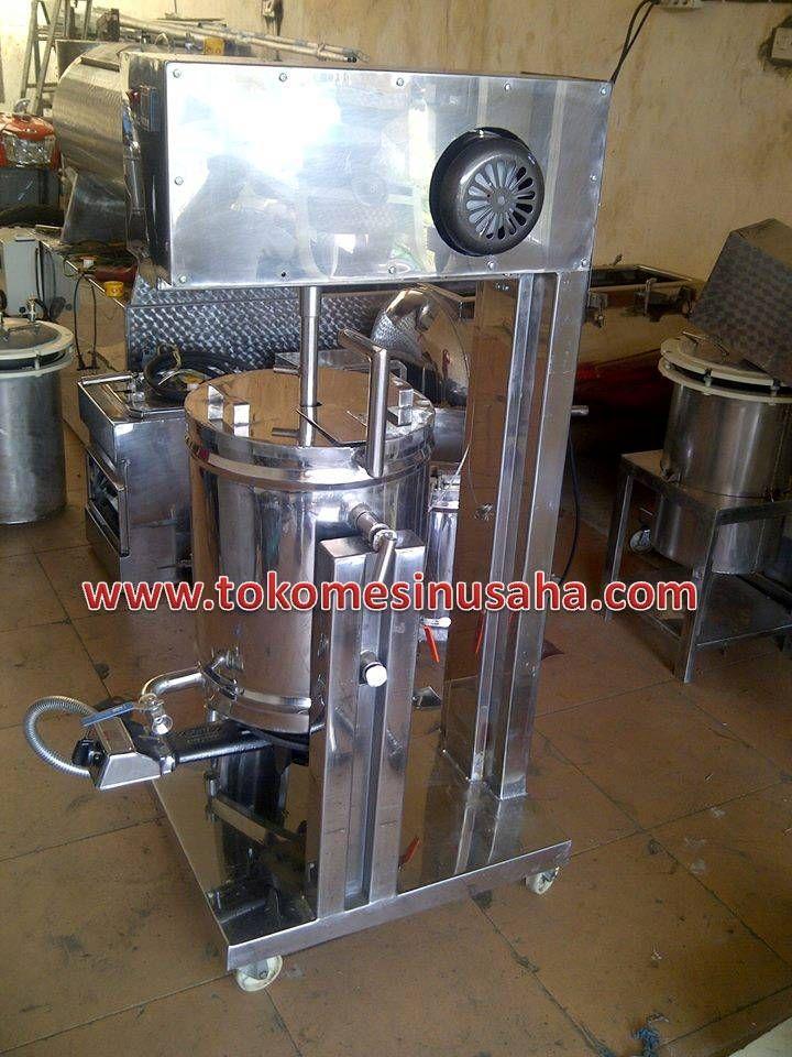 Mesin Pengaduk Dodol/Jenang/Selai       Kapasitas mencapai 10- 20 kg tiap proses     Dimensi       : 70 x 60 x 85 cm     Bahan           : Stainless steel dan pipa besi     Daya listrik : 500 W/ 220 v     Transmis     : 20-40 RPM     Bahan bakar panas dari LPG