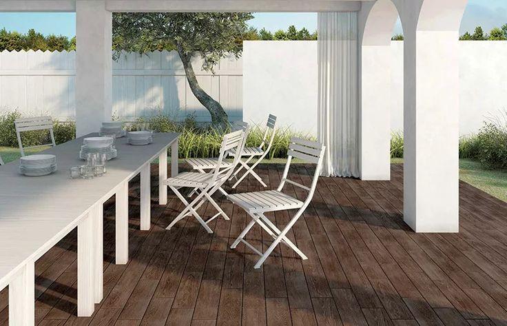 Φωτογραφία: Πλακάκια με όψη ξύλου για εξωτερικούς χώρους. Μια καλοκαιρινή ιδέα που αξίζει να εξετάσεται. http://buff.ly/20kjpcd