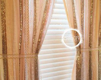 Blozen, perzik, naakt, Rose Quartz met gouden Glittery Sequin Garland gordijn - Lace - Bling - kwekerij Decor, gordijn, wieg Garland