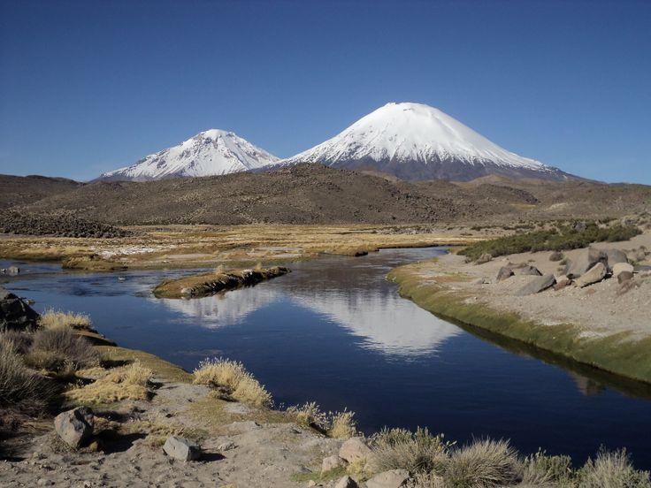 Nevados Payachatas. Foto de Elías Muñoz.