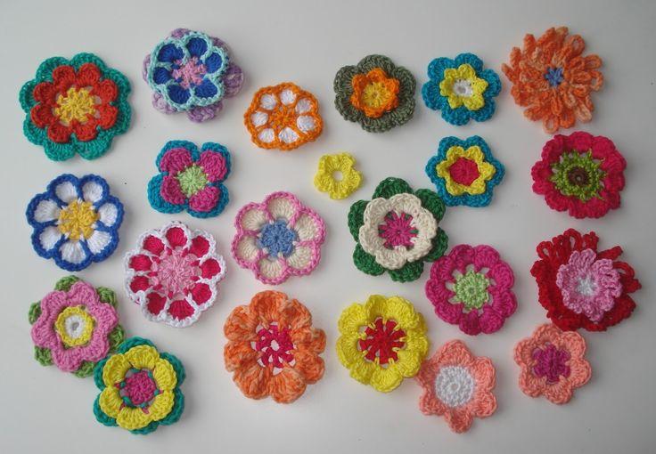 """Bij het maken van deze bloemetjes is """"ontwerpen"""" een groot woord. Ik ga er beslist niet vanuit dat ik de enige ben die deze bloemetjes zo..."""
