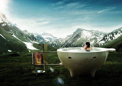 Heittur Pottur er en ny, norsk badestamp med vedfyring. Hottuben er lett og transportvennlig, selv om det kanskje er litt drøyt å drasse den opp på nærmeste fjelltopp? I karet er det plass til fire personer, og det tar to timer å varme opp herligheten.