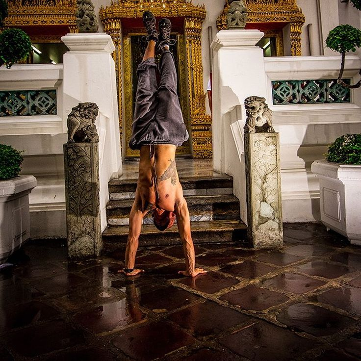 Govan Adrian Basson, Adventure Sports Photographer and Adventure Guide, Totalkaos_Studio. I life to the fullest! Me at Wat Pho, the temple of the reclining Buddha in…