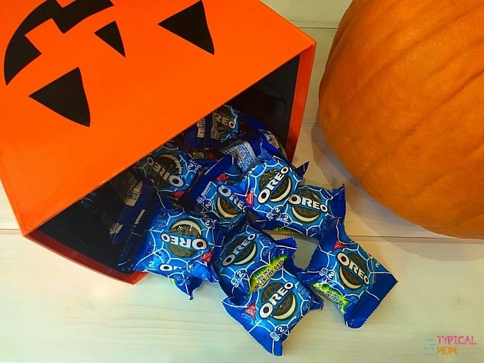 New Glow in the dark OREO packages are here, here are some fun Halloween games to do using these for a party.