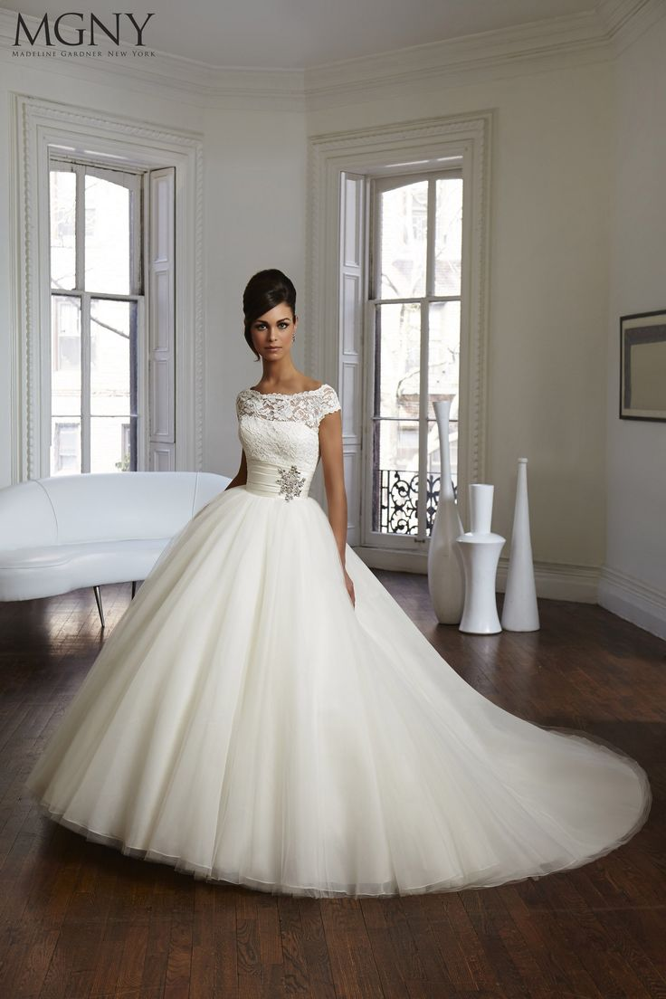 CLARA - louise this os the dress i saw in the magazine! MGNY CLARA! Stunning! Click on it - the back is amazing too!