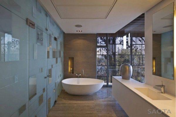 La Lucia-17-1 Kind Design: Lalucia, La Lucia, Modern Bathroom Design, Decor Bathroom, Bathroomdesign, Bathroom Interiors Design, Beaches House Interiors, House Interiors Design, Design Bathroom