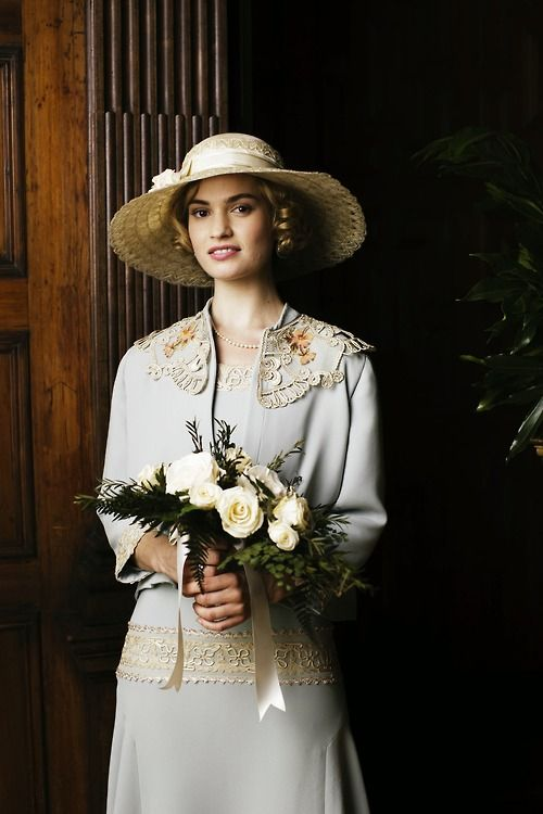 Lady Rose's courthouse wedding outfit in Downton Abbey season 5 episode 8