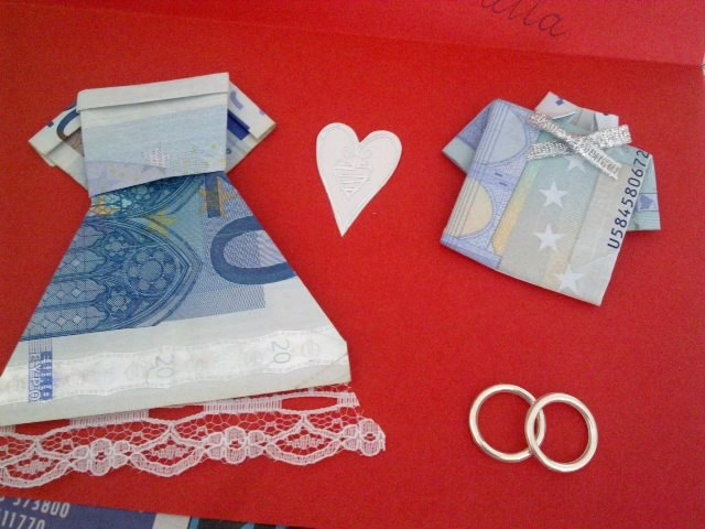 cute wedding gift - folding money -