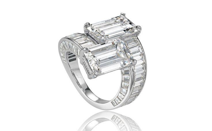 Bague de fiançailles Chopard diamants taille baguette http://www.vogue.fr/mariage/bijoux/diaporama/taille-diamants-bagues-de-fiancailles-solitaires-baguette-emeraude-coussin/21415/image/1117051#!bague-de-fiancailles-chopard-diamants-taille-baguette