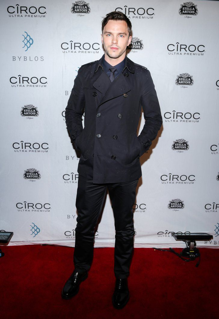 Pin for Later: Sorry New York – glamouröse Kleider gibt's auch in Toronto! Nicholas Hoult