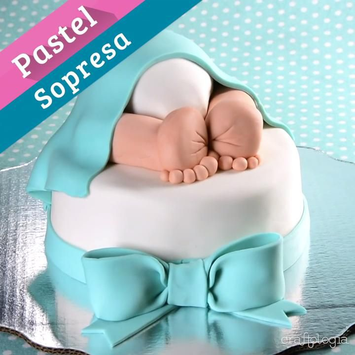 Este pastel es una idea muy original para decirle a todos tus amigos y familiares el sexo de tu bebé. Esta increíble, les encantará. Baby Shower Unisex, Ideas Para, Color Rosa, Cupcakes, Cakes, Decorating Cakes, Salads, Recipes, Surprise Cake