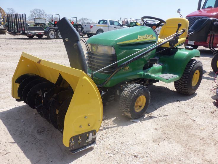 John Deere LT160 automatic with snowblower