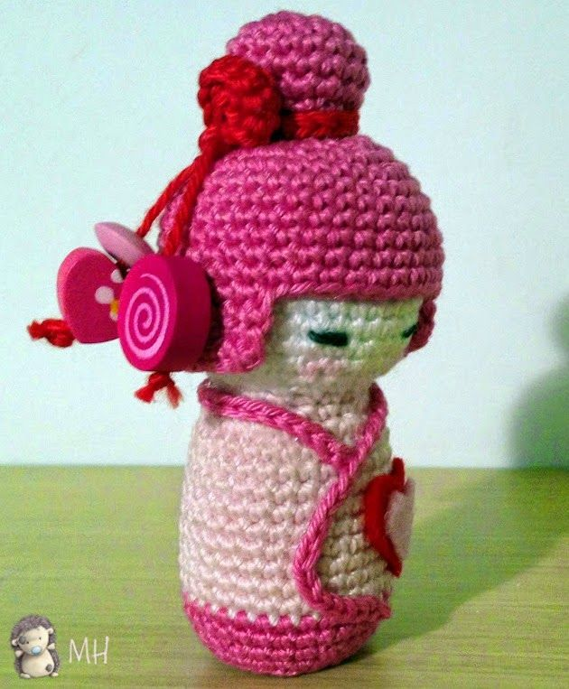 Amigurumi Yoshi Patron Gratuit : Amigurumi kokeshi rose tuto doudou crochet Pinterest ...