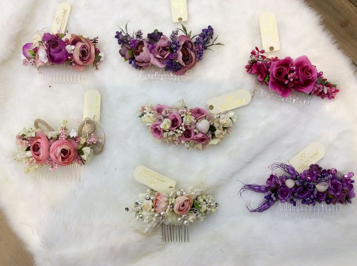 Flowered comb clasp