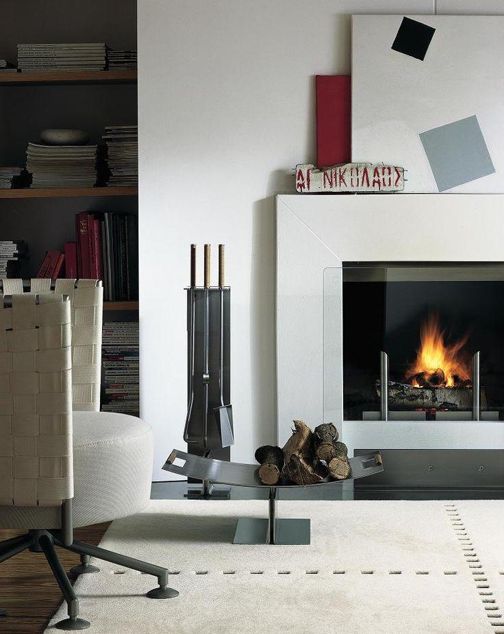 Peter Maly zaprojektował nowoczesny zestaw akcesoriów kominkowych dla marki Conmoto.