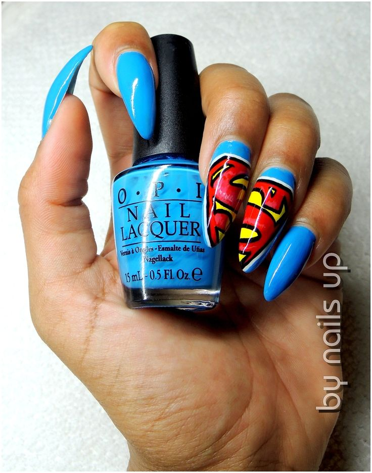 i'm in love with these superman nails ^_^