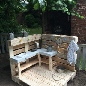 Splendid DIY Pallet Furniture Ideas (Chair, Table, Bed, Benches, etc) You Should Try