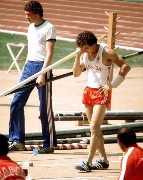 Bruce Simpson du Canada participe au lancer du javelot aux Jeux olympiques de Montréal de 1976. (Photo PC/AOC)
