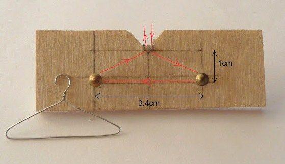 Como hacer perchas en miniatura! Nos ha encantado... how to: making miniature hangers from a jig
