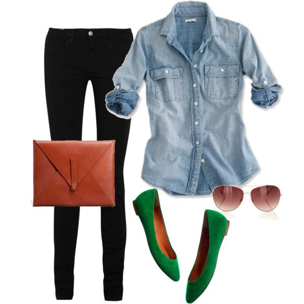 cute and mom-friendly outfit - black skinnies jean top and those adorable kelly green flats