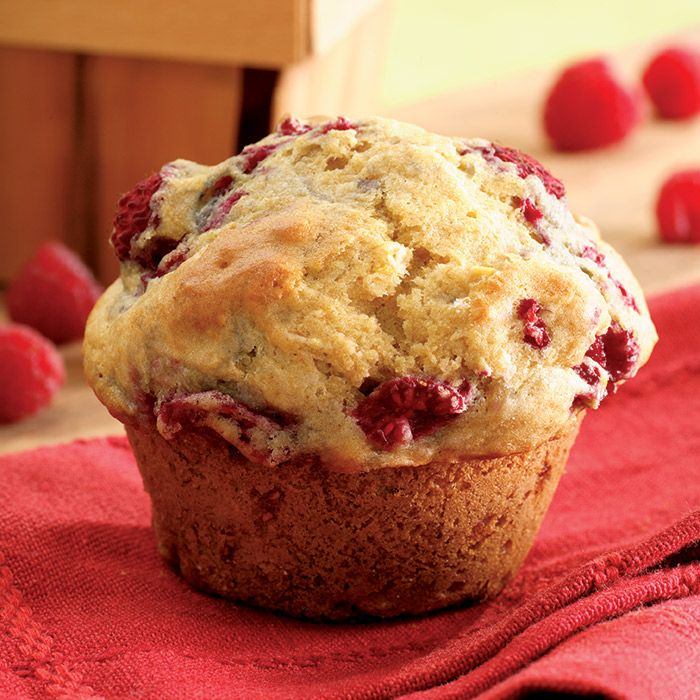 These berrylicious lemon muffins have Sunday baking goals written all over them…