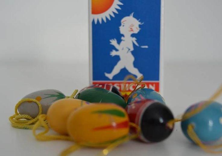 Vintage hölzerne Ostereier zum Aufhängen handbemalt in bunten Farben und verschiedenen Mustern aus den 1960ern Erzgebirge, Deutschland. von VintageLoppisStyle auf Etsy